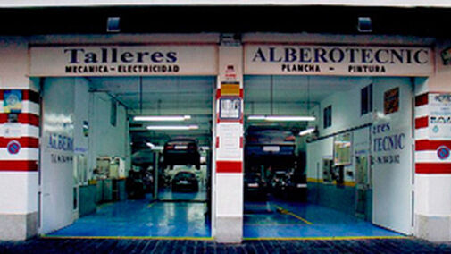 Un taller valenciano combate la crisis peritando coches - Reparacion tv valencia ...