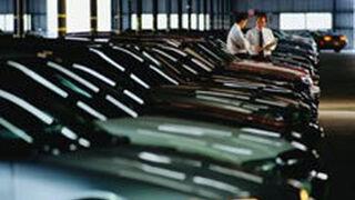 Los coches nuevos multiplican por cuatro su permanencia en stock