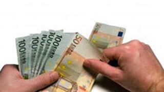 Los talleres navarros adelantarán unos 940 euros al mes por ayudas