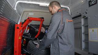 i-Neumáticos incorpora cinco nuevas furgonetas-taller