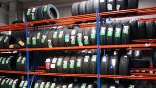 El volumen de venta de neumáticos roza el 10% de caída