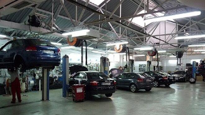 ¿Puede obligar el vendedor a revisar el coche en un taller concreto?