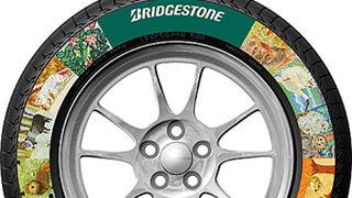 Bridgestone imprime publicidad en los neumáticos