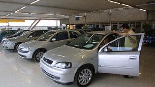La crisis frena la compra de 1,5 millones de coches