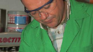 Cesvimap analiza las reparaciones con adhesivos Loctite