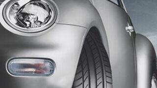 La policía navarra controla el estado de los neumáticos