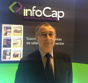 Fernando Checa, en el stand de InfoCap en la feria Motortec Automechanica Ibérica