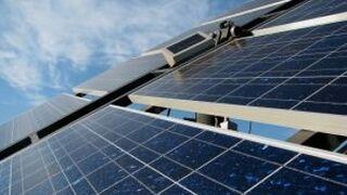 Placas solares para ahorrar en luz ¿interesa al taller?