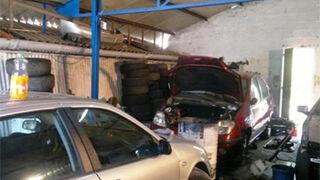 Andalucía expedientó a 144 talleres presuntamente ilegales en 2013