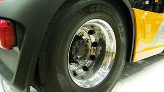 DAF monta de serie los Goodyear Kmax y Fuelmax
