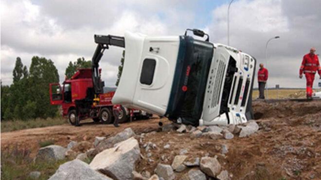 Cómo rescatar y remolcar camiones siniestrados al taller