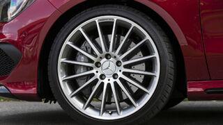 Dunlop equipará al Mercedes CLA 45 AMG con sus Sport Maxx RT