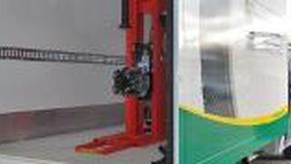 Euromaster recibe el nuevo taller móvil de Aguado Automoción