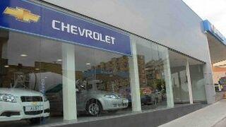 Chevrolet mete prisa a sus concesionarios para que firmen el cierre