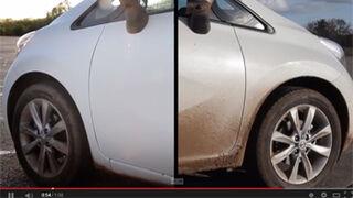 Nissan ensaya una pintura que evita lavar el coche