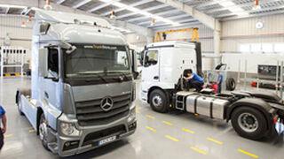 Mercedes-Benz Comercial Valencia abre nuevo taller de camiones