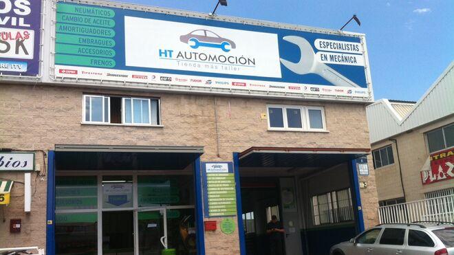 Extrabajadores de Tiendas A., de mecánicos a gerentes