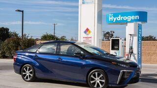 El sedán de pila de combustible de Toyota llegará a Europa en 2015