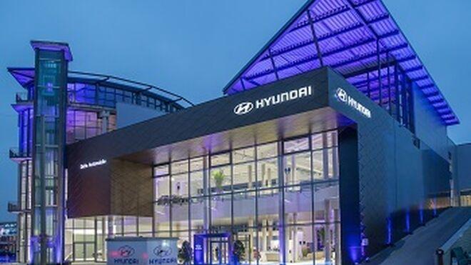 Hyundai estrena en Alemania el primer concesionario de Europa con la nueva identidad