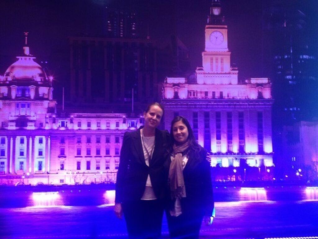 Con Paula Echániz, una de las responsables de la delegación de España de Messe Frankfurt.