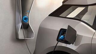 La nueva norma de puntos de recarga animará la venta de eléctricos