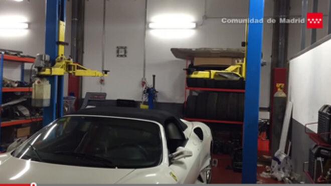 Fallece un mecánico aplastado por el coche que reparaba