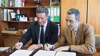 Firman un acuerdo para impulsar en Madrid el gas natural en automoción