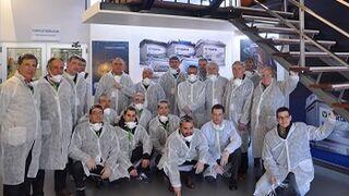 Talleres clientes de Recambios Gaudi visitan la fábrica de Varta en Burgos