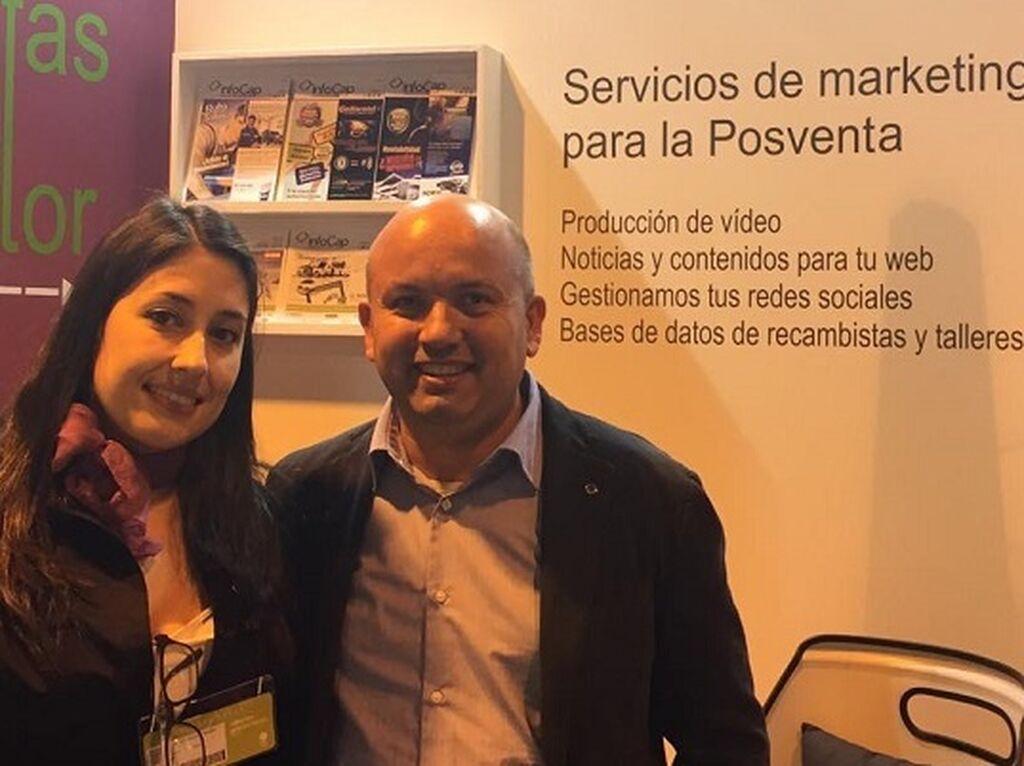 Mar Calderón, con Toni Ruiz Roman, gerente de Talleres Ruvamar y bloguero de InfoTallerTv.