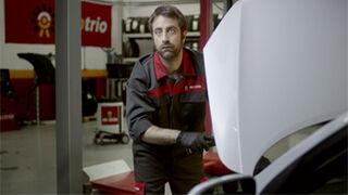 Clientes que dan pistas al mecánico en la nueva campaña de Motrio
