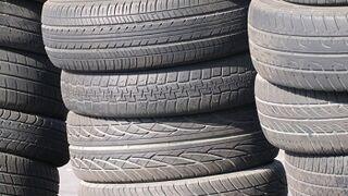 El 60% de profesionales no prohibiría la venta de neumáticos usados