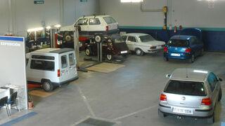 Consumo inspeccionó casi 500 talleres andaluces en 2014