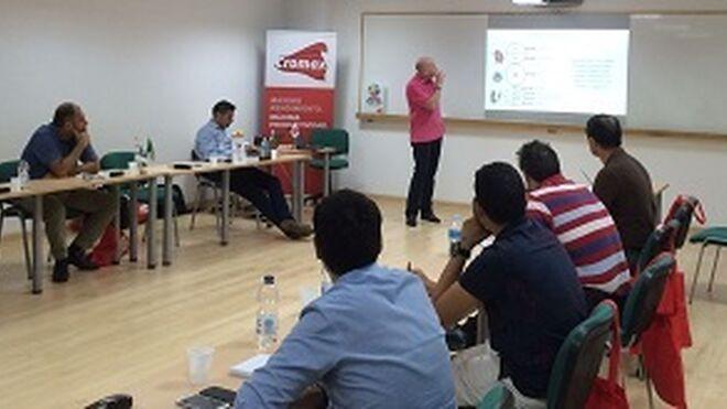 Cromax forma en rentabilidad a talleres clientes de Perchan