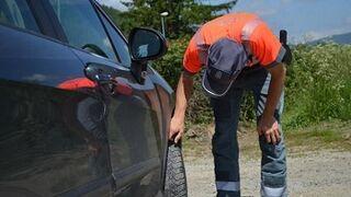Campaña en Navarra para vigilar el estado de neumáticos y alumbrado