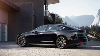 Tesla pone a la venta su primer piloto automático