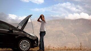 Advierten de cinco manías al conducir que pueden provocar averías