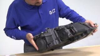 Cómo reparar un faro con kit de patillas