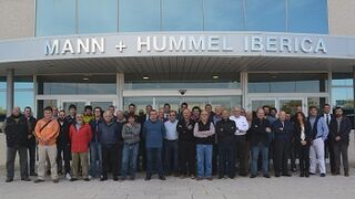 Cincuenta talleres clientes de EMMS (Gecorusa) visitan Mann+Hummel
