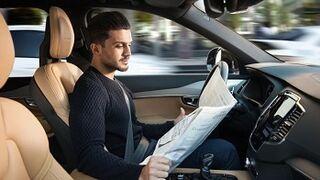 Cuatro de cada diez españoles se compraría un coche autónomo