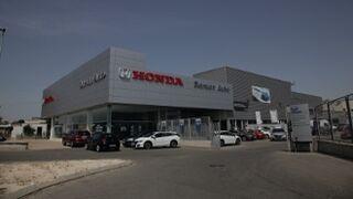 Cuatro mil empresas venden y reparan coches en las redes marquistas