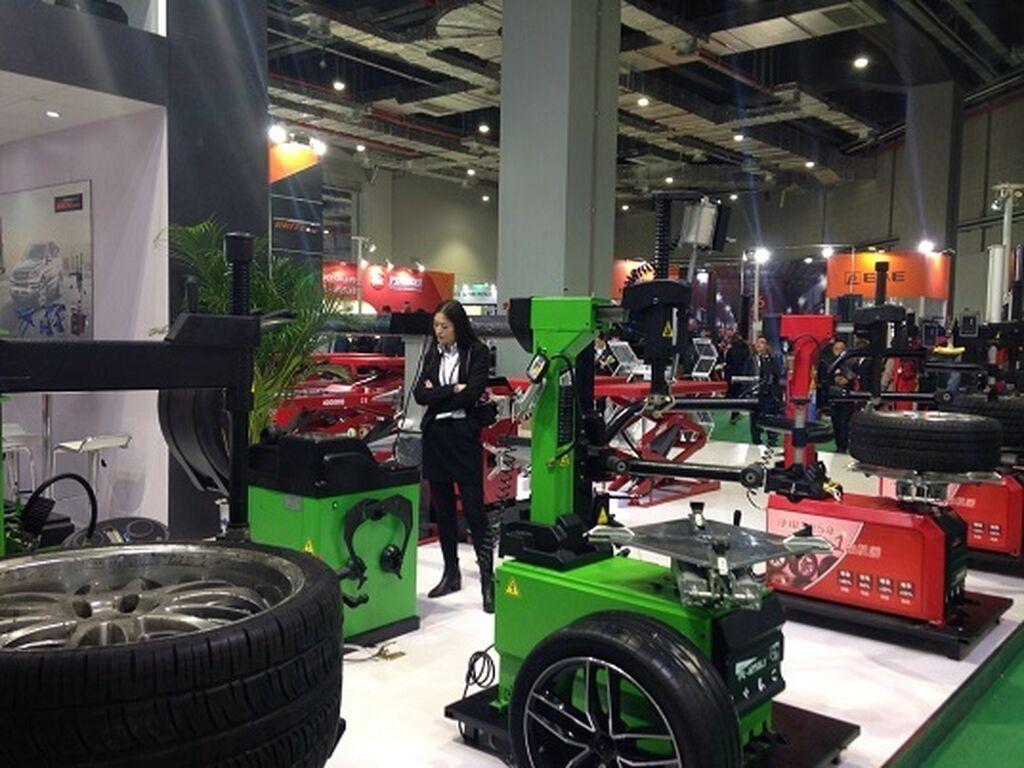 Máquinas para el taller de neumáticos.