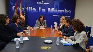 El Gobierno de Castilla-La Mancha anima a denunciar a los ilegales
