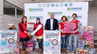 Euromaster consigue 20.000 juguetes para Cruz Roja