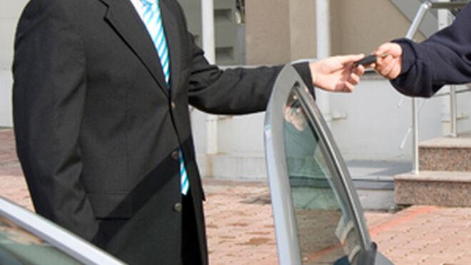 La flota de vehículos de renting creció en 2015 el triple de lo previsto