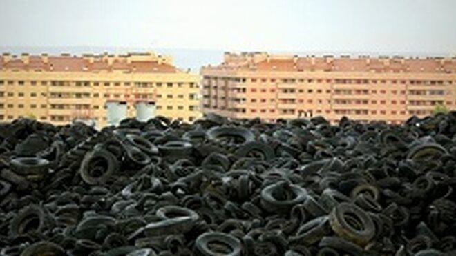 Vía libre a las CC. AA. para desmantelar el cementerio de neumáticos de Seseña