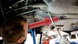 Amortiguadores y frenos, en mal estado en tres de cada diez coches