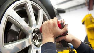Tres de cada diez conductores sólo cambian los neumáticos por consejo del taller