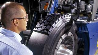La industria del recauchutado arremete contra el neumático asiático barato
