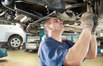 Casi la mitad de los conductores solo va al taller si nota una anomalía mecánica