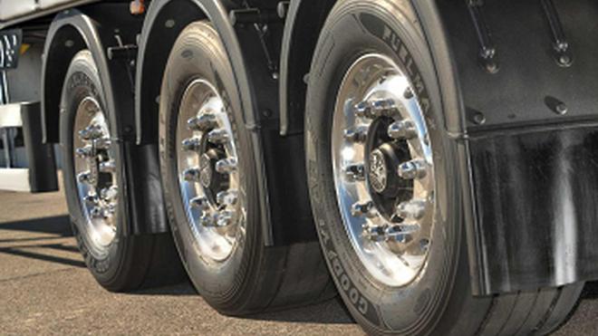 Los neumáticos Fuelmax reducen el consumo de combustible hasta el 14% en una prueba de Mercedes